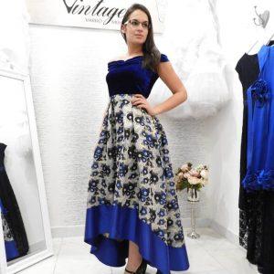 Női divatáru – Oldal 2 – Vintage Varróműhely b8236aee72